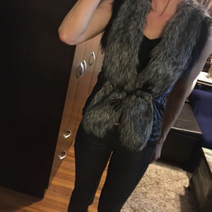 Vest with faux fur. XS